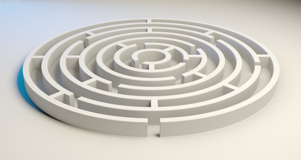 a maze showing confusion about choosing a niche